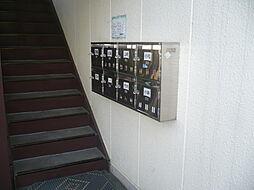 カレッジIの建物入口です。