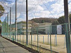 王寺中学校