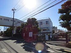 西東京市立上向台小学校まで157m、西東京市立上向台小学校まで徒歩約2分。