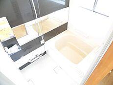 リフォーム後写真お風呂は0.75坪のユニットバスに新品交換いたしました。