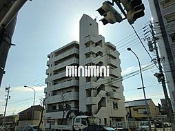 ファミール鶴里[5階]の外観