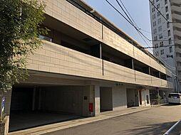 東京都港区南麻布4丁目の賃貸マンションの外観