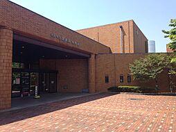 半田市図書館 徒歩 約3分(約240m)