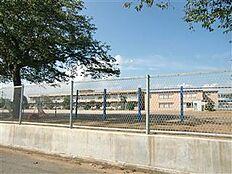 土浦市立上大津東小学校(654m)