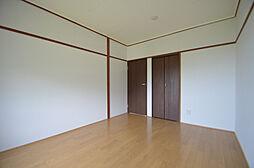 クローバー広畑才の6帖の洋室