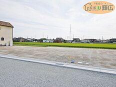 周辺には商業施設がたくさんあり住環境良好です。