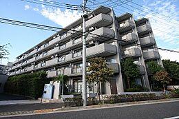 現地(H26.10撮影)/平成6年築の建物、平成26年1月に大規模修繕工事実施済みです