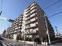 外観(総戸数101戸の大規模マンション。駅近ならではの暮らしやすい、緑豊かな住環境。)