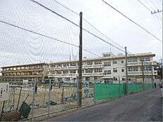 日立市立坂本中学校(848m)