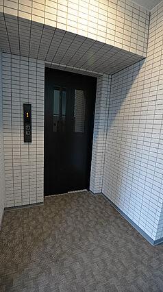 8階部分エレベ...