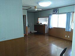 山形市中桜田三丁目 5LDKの居間