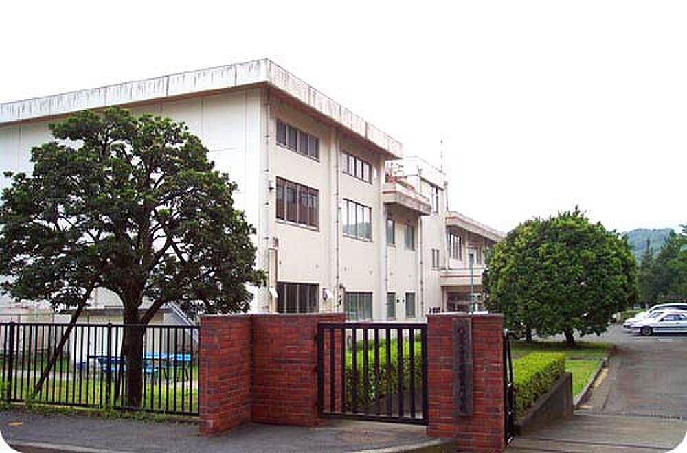 周辺(専門学校八王子市立看護専門学校まで1844m)