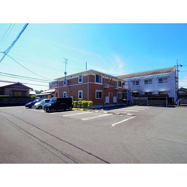 静岡県焼津市浜当目の賃貸アパートの外観