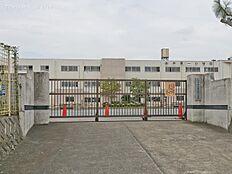 八王子市立由井第一小学校 距離690m