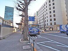 「千駄ヶ谷小学校前」から渋谷駅行きのバスもあります