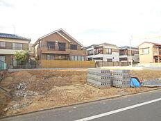 閑静な住宅街 建築条件無し売地 全3区画 お好きなハウスメーカーで建築可能 請負もいたします