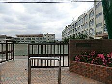 東島根中学校(1090m)