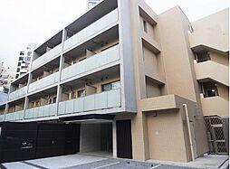 東京都港区麻布狸穴町の賃貸マンションの外観