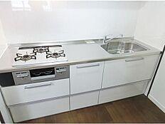 新品システムキッチン お掃除楽々ガラストップコンロ