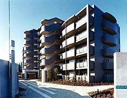 東京都世田谷区北烏山2丁目の賃貸マンションの外観