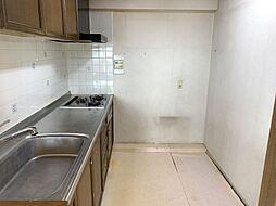 奥行きのあるキッチンスペースなので作業効率もはかどります