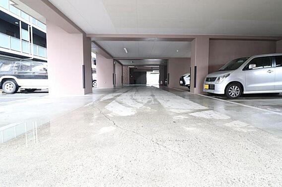 敷地内駐車場空...