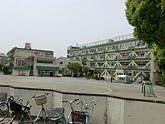 小金井市立緑小学校まで80m