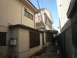 東京都世田谷区北沢2丁目の賃貸アパートの外観