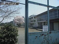 青梅市立霞台中学校まで徒歩8分