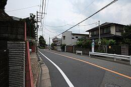 前面道路は8m公道です。