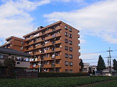 JR青梅線「羽村」駅より徒歩約12分の立地です。