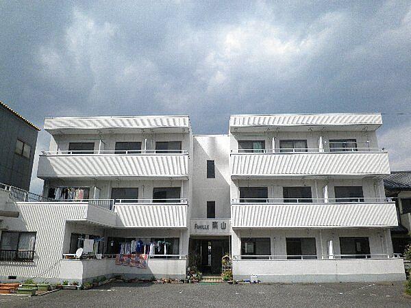 ファミール南山[3階]の外観