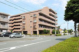 イオンタウン浜松葵まで徒歩5分、東名高速:浜松西ICまで約2.4kmの好立地です