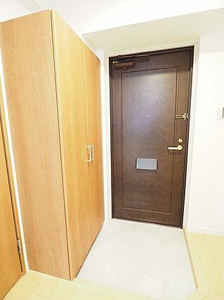 玄関スペース。...