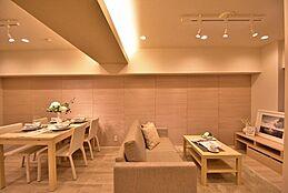 新規内装リフォーム済み、家具・エアコン付きのお部屋です。