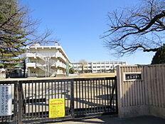 西東京市立保谷小学校まで700m、西東京市立保谷小学校まで徒歩約9分。