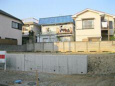 前面南道路整形地、建築条件無し売地 全2区画。お好きなハウスメーカーでマイホーム。