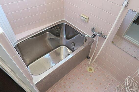 浴室。浴室には...