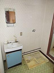 収納も少なく洗面台も狭いので、リフォームをオススメします。