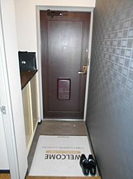 カサベルデUの玄関