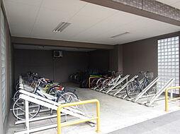 駐輪場:自転車の倒れる心配もなく、きれいに整備されていますね。