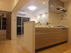 新規内装リフォームで明るいお部屋となっております