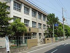 和歌山市立河西中学校まで831m