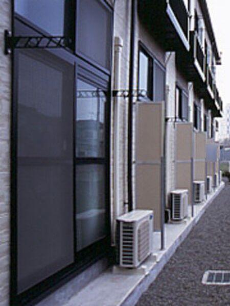 レオパレスメルベーユ参番館[204号室]の外観