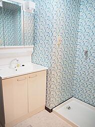 洗面所 洗面化粧台朝の身支度もラクラクです