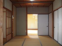 扉を開けば大きな1部屋に変身します。