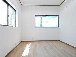 2階西側洋室約6帖