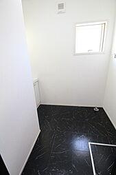 洗面、浴室の床材はおしゃれな大理石風デザイン2019年7月撮影