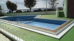 プール 水張りは夏季のみ
