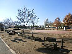 公園神山公園まで439m